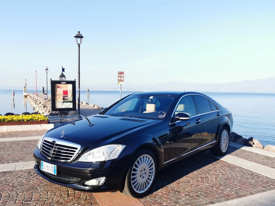 Car Booking services in Cavaion Veronese