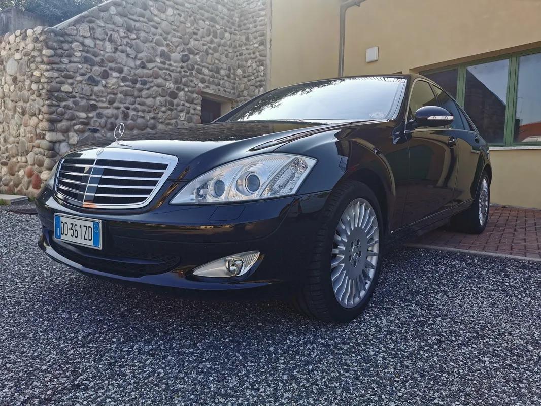 Rent Luxury Cars in Italy